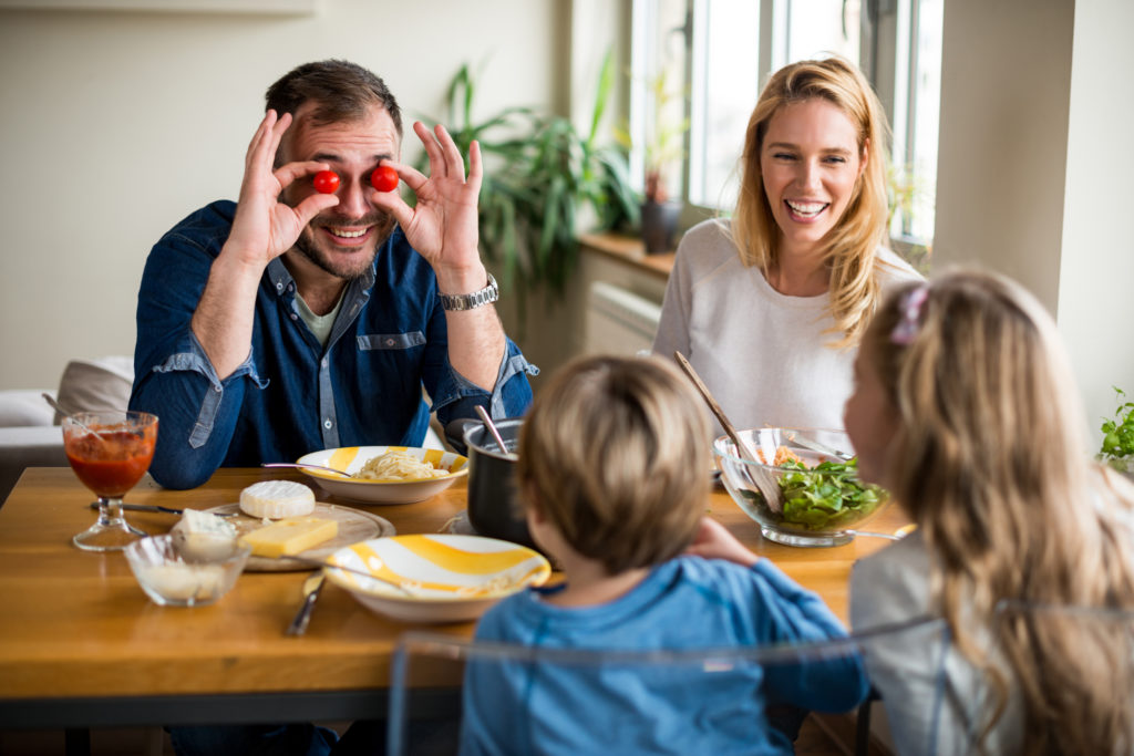 repas de famille positif